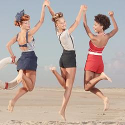 three-happy-girls-on-the-beach
